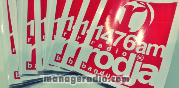 sticker radio